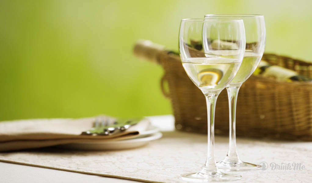 Drink Me Mag Top White Wines In The UK For Summer