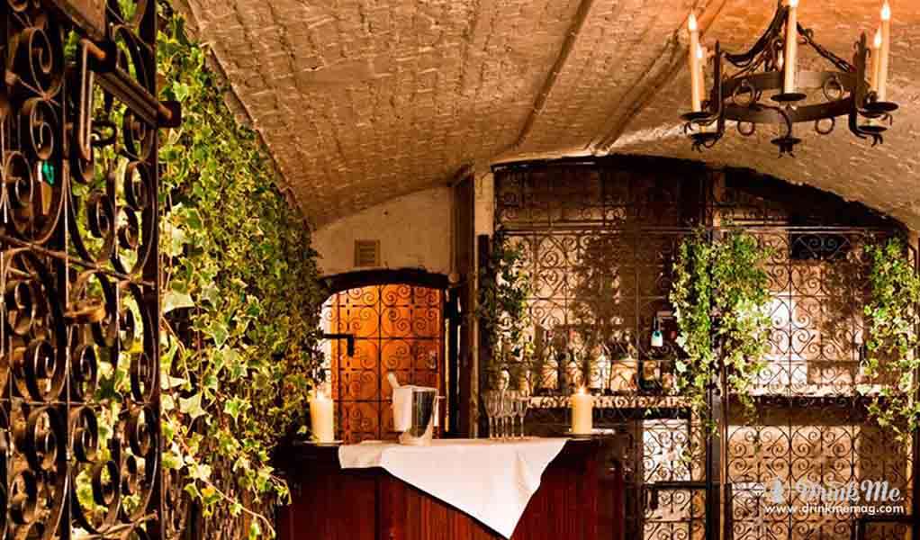 A Hidden Alcove Of Wine Under St James - Drink Me