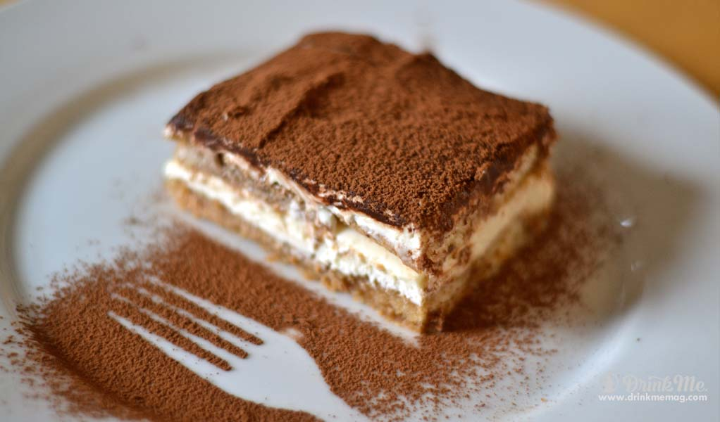 tiramisu-booze-filled-cakes-drinkmemag-com-drink-me