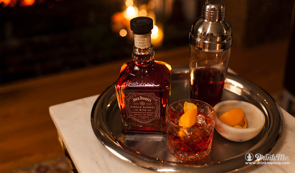 jack-daniels-savor-and-share-game-night-drinkmemag-com-drink-me