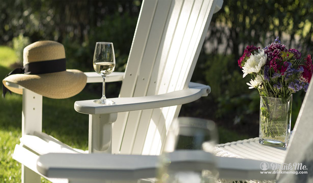 Top Spring wine featured image drinkmemag.com drink me Top Spring Wines