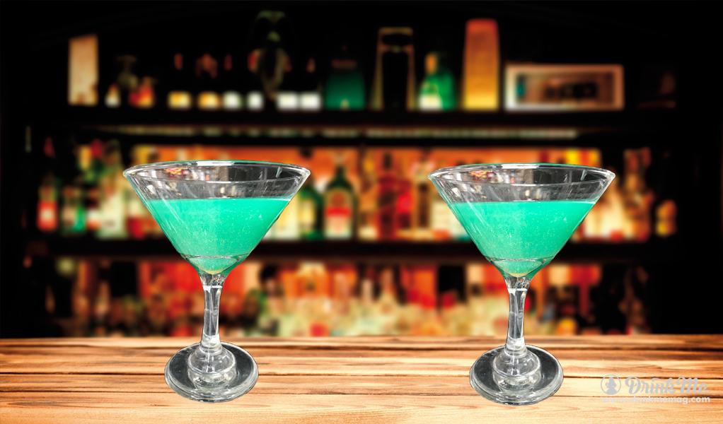Enchanted Ooze drinkmemag.com drink me Top Creepy Halloween Cocktails